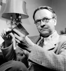 raymond chandler photo 3